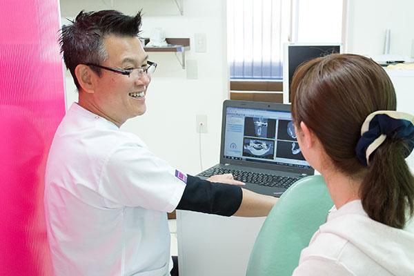 天野歯科医院ではCTやレントゲン撮影等を用いて視覚的に分かりやすい説明を心がけています